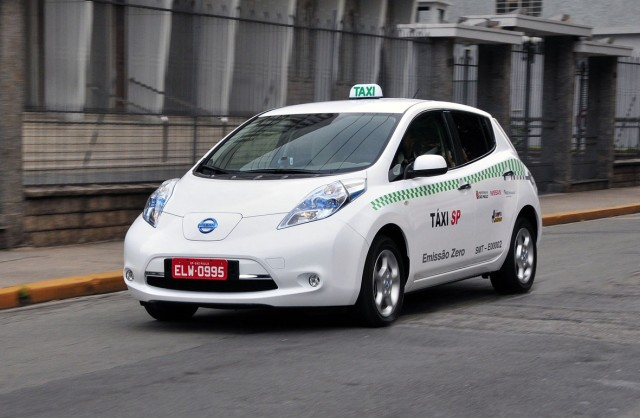 Nissan LEAF Taxi Rome