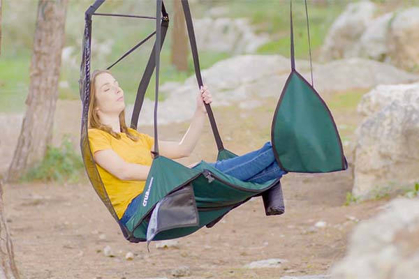 hoverchair_hanging_chair_fits_for_outdoor_adventures